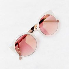 >>>Ray Ban Sunglasses OFF! >>>Visit>> white pink cat-eye sunglasses - urban outfitters WANT THESE! Cat Sunglasses, Mirrored Sunglasses, Sunglasses Women, White Sunglasses, Summer Sunglasses, Sunglasses Outlet, Sunglasses Online, Urban Outfitters Sunglasses, Lunette Style