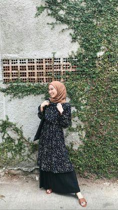 Modest Fashion Hijab, Modern Hijab Fashion, Casual Hijab Outfit, Hijab Fashion Inspiration, Ootd Hijab, Muslim Fashion, Hijab Chic, Blouse Outfit, Men Fashion