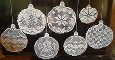 Zawieszki - Her Crochet Crochet Snowflake Pattern, Crochet Socks Pattern, Christmas Crochet Patterns, Crochet Snowflakes, Crochet Doilies, Crochet Ball, Freeform Crochet, Xmas Ornaments, Christmas Decorations