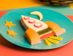 """creative snacks for kids. Several cute snack ideas. These would make me want to eat """"yucky"""", lol, raw carrots! Toddler Meals, Kids Meals, Cute Food, Good Food, Yummy Food, Outer Space Party, Boite A Lunch, Party Sandwiches, Food Humor"""