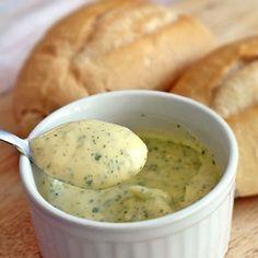 Creme de Alho (ideal para pão de alho e acompanhamento de churrasco) Mais