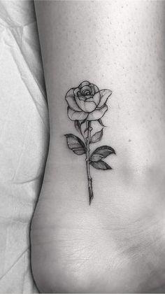 Cute Tattoos For Women, Back Tattoo Women, Tattoo Designs For Women, Classy Tattoos, Pretty Tattoos, Hip Tattoo Small, Small Tattoos, Peach Tattoo, Tatoo Rose