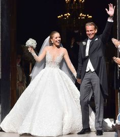 VICTORIA Swarovski, heiress to the luxury crystal brand, has tied the knot in a glittering ceremony which lived up the sparkle of the family business. Wedding Dresses 2018, Luxury Wedding Dress, Wedding Beauty, Designer Wedding Dresses, Bridal Dresses, Most Beautiful Dresses, Beautiful Bride, Million Dollar Wedding, Princess Dress Patterns