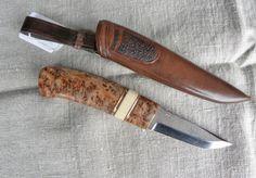 Kniv av björkrot och valtand
