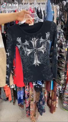 Alternative Outfits, Alternative Fashion, Cool Outfits, Fashion Outfits, Hippie Outfits, Look Cool, Cute Shirts, Aesthetic Clothes, Autumn Winter Fashion