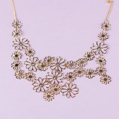Feel like a summer dream in this Field of Daisies Necklace.