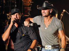 Luke Bryan and Tim McGraw omg so much perfection in one picture ❤️