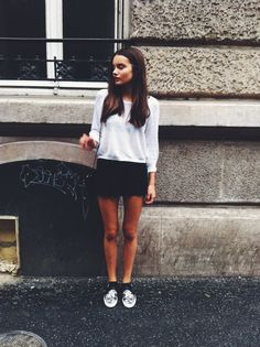 Signe Belfiore is a white pullover. Click for more photos // via bestfashionbloggers.com