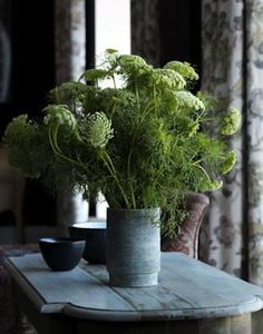 from remodelista, flower arrangement