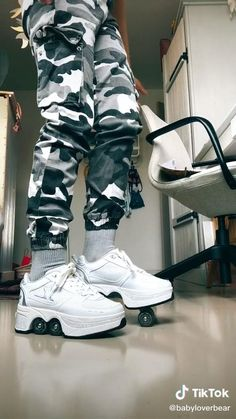 Cute Shoes, Me Too Shoes, Best Amazon Buys, Roller Skate Shoes, Fashion Shoes, Fashion Outfits, Clothing Hacks, Aesthetic Clothes, Skateboard