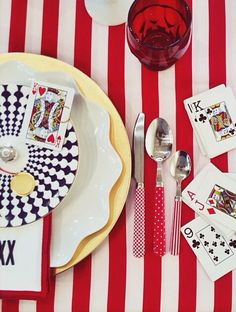 Game night tablescape by Casslavalle