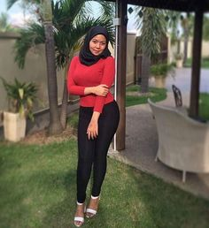 Casual Hijab Outfit, Hijab Chic, Muslim Fashion, Hijab Fashion, Kebaya Hijab, Hijab Tutorial, Girl Hijab, Girls In Leggings, Beautiful Hijab