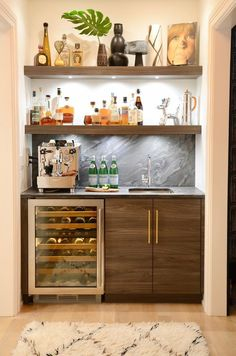 The exquisite tin with minibar makes you safer and more valuable for your apartment and your home .You can upgrade your private home or apartment and have additional fun by including a minibar. Home Bar Rooms, Diy Home Bar, Home Bar Decor, Coffee Bar Home, Home Coffee Stations, Wine And Coffee Bar, Coffee Area, Canto Bar, Sweet Home