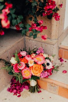Colorful and classy Palm Springs wedding at Bougainvillea Estate Junebug wedding . - Colorful and classy Palm Springs wedding at Bougainvillea Estate Junebug Weddings – Wedded Wonder - Bouquet Bride, Bridal Bouquet Pink, Bridal Flowers, Flower Bouquet Wedding, Floral Wedding, Fall Wedding, Wedding Colors, Dream Wedding, Boho Wedding