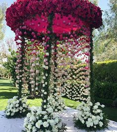 Best Garden wedding ceremony thorns ideas - Decoration For Home Wedding Mandap, Wedding Stage, Wedding Goals, Wedding Events, Wedding Ceremony, Wedding Planning, Wedding Ideas, Trendy Wedding, Diy Wedding