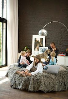 KÖK Archives - Page 8 of 15 - Stil Inspiration Reading Nook Kids, Painted Brick Walls, Brick Interior, Cool Couches, Old Home Remodel, Round Beds, Girl House, Living Spaces, Living Room