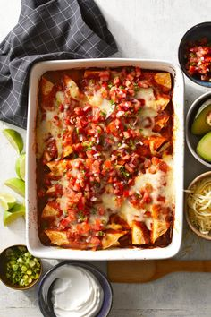 Beef Enchiladas Easy Mexican Dishes, Mexican Dessert Recipes, Best Mexican Recipes, Ethnic Recipes, Favorite Recipes, How To Make Enchiladas, Beef Enchiladas, Pork Recipes, Chicken Recipes