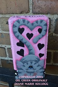 Items similar to 15006 Cat Love Pattern Packet Oil Creek Originals on Etsy Cement Pavers, Painted Pavers, Painted Rocks, Hand Painted, Painting Concrete, Pebble Painting, Tole Painting, Fabric Painting, Painted Bricks Crafts