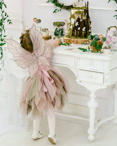 54 Ideas Birthday Girl Themes Toddler For 2019 Butterfly Birthday Party, Fairy Birthday Party, Girl Birthday Themes, Girl Themes, Fairy Costume Kids, Fairy Tea Parties, Kids Dress Up, Party Decoration, Fairy Dress