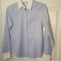 Womens Brooks Brothers Fitted Shirt Brooks Brothers fitted (tailored fit) shirt worn once or twice. Good condition. Great for business women or you can dress it up for a cute night. Brooks Brothers Tops Button Down Shirts