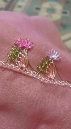This Pin was discovered by Lal Needle Tatting, Tatting Lace, Needle Lace, Bobbin Lace, Ribbon Embroidery, Embroidery Stitches, Embroidery Patterns, Crochet Patterns, Lace Ribbon