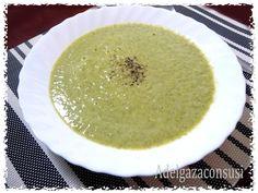 Crema de brocoli y puerro ligera (1/4)   Cals: 117kcal | Grasa: 1,07g | Carbh: 21,27g | Prot: 8,69g    Me encantan las cremitas de ver...