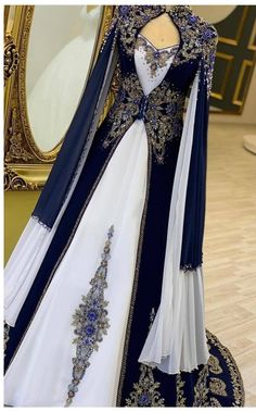 Royal Dresses, Ball Dresses, Ball Gowns, Unique Dresses, Elegant Dresses, Pretty Dresses, Beautiful Gowns, Beautiful Outfits, Fantasy Gowns