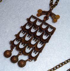 Bronzen ketting. Pentti Corsicaanse. Finland. Vintage. door OsmanieJewelry op Etsy https://www.etsy.com/nl/listing/475406514/bronzen-ketting-pentti-corsicaanse