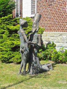 .. sculture di ragazzi e ragazze nel verde ... Sendenhorst (D) - 29/06/2015     -  © Umberto Garbagnati -