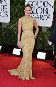 Snaps From The 2013 Golden Globe Awards - Emily Blunt / Photo by George Pimentel