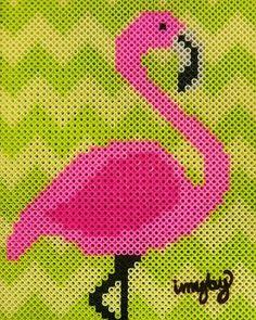 Flamingo in #Perlerbeads #hamabeads #photopearls #artkalbeads #nabbibeads #PerlerArt #pixel #bitart #pärlplatta #ironbeads #fusebeads #crossstitch #beads #perler #needlepoint #flamingo #retro #tiki #florida