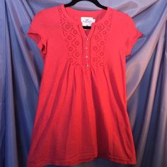 H&M coral top Cute, casual, and perfect for spring, with a pretty floral detail. Looks great with a pair of jeans. Size S, worn only a few times. H&M Tops Tees - Short Sleeve