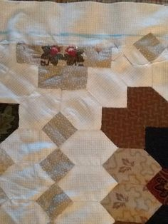 Finishing edges of Lucy Boston Quilt. Appliquéd the edges to a border.