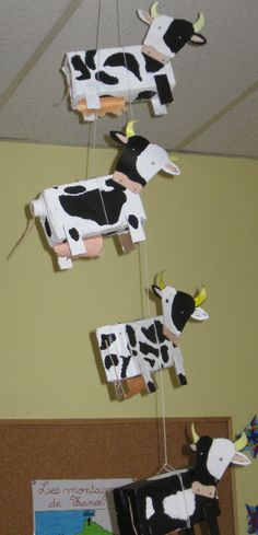 Craft a nice cow? Cows craft tips! Animal Projects, Art Projects, Cow Craft, Sensory Art, Farm Unit, Farm Theme, Diy Crafts For Kids, Toddler Activities, Farm Animals