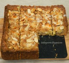 Gooseberry & Almond Cake (Agrastų ir migdolų pyragas), recipe in Lithuanian and English, by Baking Secrets
