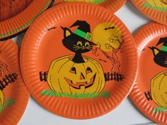 Vintage Halloween Paper Plates for Decorating by PrettyPaperPicnic