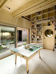 Nice working desk _ A1 House / A1Architects