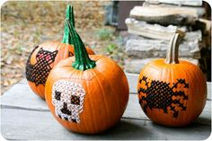 DIY Pumkin Crafts : DIY Embroidered Pumpkins