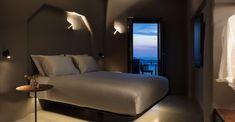 Santorini Luxury Hotels, Greek House, Mediterranean Homes, Hotel Suites, Mykonos, View Photos, Beach House, Algarve, Gallery