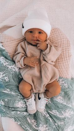 Cute Baby Boy Outfits, Cute Baby Clothes, Cute Outfits For Kids, Cute Kids, Cute Babies, Baby Boy Fashion, Kids Fashion, Autumn Fashion, Cute Baby Pictures