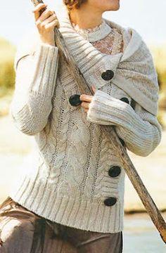 Sweter de mujer tejido a palillo Sweter con botones bien visibles de de madera OjoconelArte.cl |