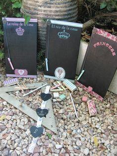 Pizarras infantiles hechas con maderas de contrachapado de chopo...llevan papeles de decoupage, estarcidos y varios adornos