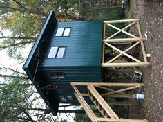 this hunting shack but only made out of logs, coon dog cages will go underneath Big Game Hunting, Coyote Hunting, Pheasant Hunting, Archery Hunting, Hunting Stuff, Hunting Stands, Deer Stands, Homemade Deer Blinds, Deer Stand Plans