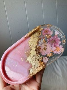 Diy Resin Projects, Diy Resin Crafts, Fun Crafts, Diy And Crafts, Epoxy Resin Art, Resin Molds, Jewelry Tray, Resin Jewelry, Quartz Jewelry