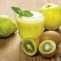 Recipes: Live fruit juices with the juice extractor - S .-Ricette: Succhi vivi di frutta con l'estrattore di succo – SuccoVivo Kiwi, pear and apple juice - Juice Smoothie, Smoothie Drinks, Detox Drinks, Smoothie Recipes, Smoothies, Fruit Drinks, Fruit Juice, Healthy Drinks, Healthy Recipes