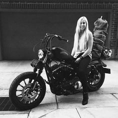 Harley Davidson News – Harley Davidson Bike Pics Lady Biker, Biker Girl, Harley Davidson Sportster, Hd 883 Iron, Image Moto, Carbon Fiber Helmets, Chicks On Bikes, Motorbike Girl, Motorcycle Gear
