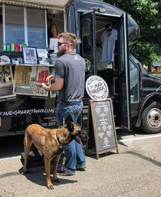 Everyone is hungry at the Capital City Family &Food Truck Festival! Someone is being a good doggo at the @themadgreektravelingtaverna  the Spanakopita and Greek fries are  #topeka #noplacelikeks #foodtruck #dogsofinstagram #topcityeats #topcity