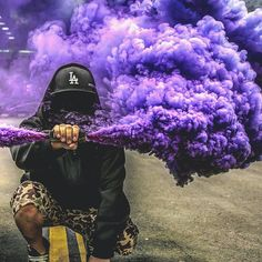 Kwai, capture the world, share your story. Smoke Bomb Photography, Urban Photography, Portrait Photography, Digital Photography, Photography Tips, Smoke Pictures, Cool Pictures, Cool Photos, Rauch Tapete