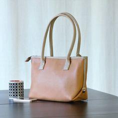 FAUX LEATHER TOTE bag Vegan city bag preppy purse by bennaandhanna