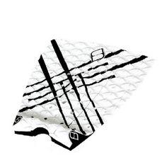 Grip modelo White Knight de la marca australiana Shapers. Grip de 3 piezas fabricado con foam tecnología EVA de gran calidad.Adhesivo de gran resistencia y durabilidad.Dimensión del arco 9mm x 130mm.Shapers Australia: Arming shapersEsta marca australiana siempre ha estado a la cabeza del desarrollo de accesorios para el mundo del surf desde hace más de 20 años. Son especialistas en herramientas, materiales y accesorios para el shaping. Desde hace unos años están desarrollando quillas en…